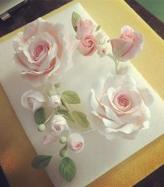 Best 10 Fondant Rose Tutorial Never used fondant before but def wanna try in the future when I have an actual kitchen to – SkillOfKing. Sugar Paste Flowers, Icing Flowers, Fondant Flowers, Paper Flowers, Fondant Flower Tutorial, Rose Tutorial, Fondant Rose, Fondant Baby, Cake Fondant