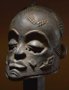 Helmet mask  -  Luluwa, D.R. Congo