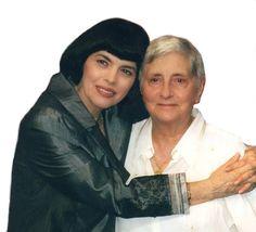 """Mireille Mathieu, Les amis de Mireille Mathieu-Le blog, site : Message de Mireille Mathieu. """"À ma petite maman ch..."""