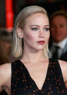 Jennifer Lawrence Side Parted Straight Cut - Short Hairstyles Lookbook - StyleBistro