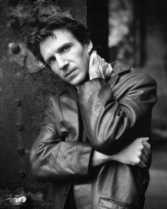 A tribute to one of the most talented actors of this era. A man of class, talent and modesty. (I know it cause I met the man). Hot British Men, British Actors, Royal National Theatre, Ralph Fiennes, Liam Neeson, Harry Potter Characters, Photography And Videography, Best Actor, Showgirls