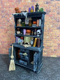 Halloween Diorama, Halloween Shadow Box, Halloween Miniatures, Halloween Village, Halloween Doll, Halloween House, Halloween Ideas, Haunted Dollhouse, Haunted Dolls