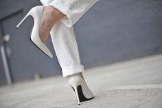 Fashion: New Trend Shoe: White Pump