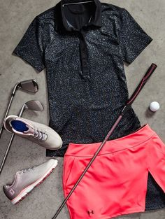 Under Armour Golf's HeatGear®️️ fabric keeps you cool and dry for a comfortable round.