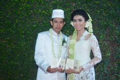 Very simple and natural wedding