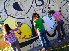 Mural Andruchak - Na arte o Mundo se transforma - geometricismo - 3x8m - Pinto Bandeira - RS - [ Participação colaborativa da comunidade na pintura de mural monumento em relevo.]