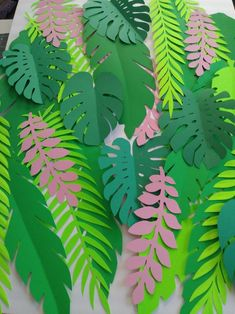 30 Plus Extra Large up to INCHES TALL Jungle Leaves DIY Safari Decor Jungle Party Theme Safari Theme Safari Backdrop Tropical Leaves - Healty fitness home cleaning Safari Party, Jungle Theme Parties, Party Themes, Jungle Theme Classroom, Paper Leaves, Paper Flowers, Safari Thema, Jungle Thema, Deco Jungle