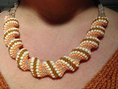 Pearl Necklace, Beaded Necklace, New Things To Learn, Brick Stitch, Bead Crochet, Pearls, Jewelry, Beaded Collar, Beaded Crochet
