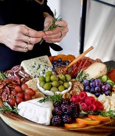 Party Food Platters, Cheese Platters, Antipasto, Wine Recipes, Cooking Recipes, Charcuterie And Cheese Board, Cheese Boards, Catering Food, Winter Food
