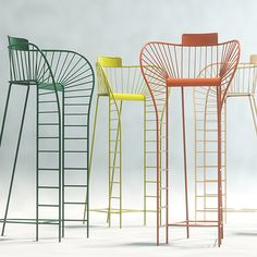 A l'occasion des D'DAYS, au mois de juin 2015, Stéphanie Langard a présenté une chaise d'arbitre réinventée aux couleurs acidulées. La chaise est destinée à faire pénétrer le design au cœur des courts de tennis. ...