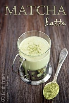 Boost your immune system with a Dairy-Free Power Matcha Latte. Full of antioxidants, the Power Matcha Latte is a great alternative to your AM coffee. Detox Recipes, Paleo Recipes, Real Food Recipes, Drink Recipes, Yummy Drinks, Healthy Drinks, Smoothie Drinks, Smoothies, Sugar Detox