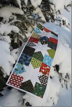 Christmas Table Runner, pattern - Little Charmer Il , Anka's Treasures Charm Squares Christmas Sewing, Christmas Crafts, Christmas Star, Merry Christmas, Christmas Patchwork, Christmas Quilting, Tacky Christmas, Purple Christmas, Coastal Christmas