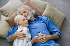 Love has no wrinkles. Love Couple, Couples In Love, Forever Love, Forever Young, Vieux Couples, Older Couples, Growing Old Together, Foto Baby, Endless Love