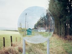 Alan Knox creatives subversive imagery using Google Street View. More on ignant.de...