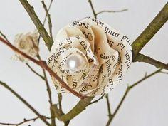 DIY: Deko mit hübschen Blüten aus Buchseiten einfach selber machen | De...