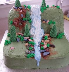 Waterfall cake- idea use blue can frosting for quicker waterfall