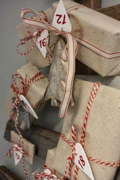 Finaste paketkalendrarna hittar du här http://partytajm.se/sv/354-adventskalendrar