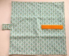 Large Raincoat Green Fabric Fans Sandwich Pouch, Handmade, Washable and Reusable, Zero Waste, Snack Rugs Diy Fashion No Sew, Fashion Sewing, Baguette Sandwich, Cheese Maker, Laundry Dryer, Green Fabric, Zero Waste, Sewing Projects, Sewing Ideas
