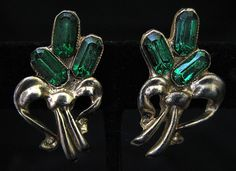 Vtg Green RS Earrings Screwback Baguettes Stylized Bouquets