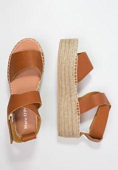 4 sandales tendances printemps t 2016 moins de 50. Black Bedroom Furniture Sets. Home Design Ideas