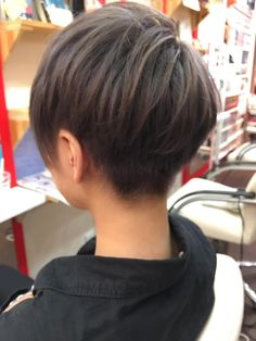 カット+ブリーチ+カラー 女性の方のショートもかわいいですね(^^)|クオーレ2所属・松田まっつんのヘアカタログ|好みのスタイルやデザインを見つけたら即予約!「なりたい自分」を叶えてくれる美容師を探せます♡! Pixie Hairstyles, Pixie Haircut, Short Hairstyles For Women, Pretty Hairstyles, Short Hair Tomboy, Girl Short Hair, Short Hair Cuts, Asian Boy Haircuts, Cute Short Haircuts