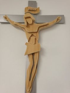 Wood crucifix by Alifewithwood on Etsy Scroll Saw Patterns Free, Wood Carving Designs, Wooden Crosses, Art Desk, Cross Designs, Christian Art, Sculpture Art, Wood Projects, Diy And Crafts