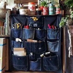 청바지를 못 버리는 이유2 : 네이버 블로그 Denim Tote Bags, Denim Handbags, Jean Crafts, Denim Crafts, Diy Jeans, Diy Accessoires, Denim Ideas, Sewing Projects, Creations