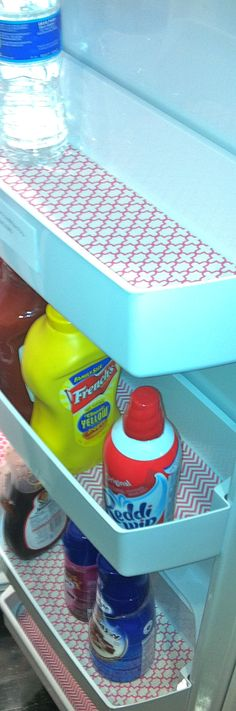 Fridge Coasters in our office fridge. inside-the-fridge Refrigerator Organization, Kitchen Organization, Organization Hacks, Shelf Liners, Drawer Liners, Kitchen Hacks, Kitchen Redo, Getting Organized, Cleaning