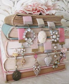 vintage inspired bookmarks . . GREAT! Party Favors for a Bridal Shower or Book Club or Tea Party!  www.soiree365.com