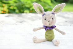 PATTERN - Lace collar bunny - crochet pattern, amigurumi pattern, PDF by lilleliis on Etsy https://www.etsy.com/listing/458566154/pattern-lace-collar-bunny-crochet