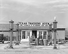 Texas Truckers Station & Gas Pumps 8x10 Reprint Of Old Photo Texas Truckers Station & Gas Pumps 8x10 Reprint Of Old Photo Here is a neat collectible featuring a Texas Trucker's Station with vintage ga