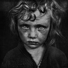 O B&W CHILD é um concurso internacional de fotos que teve sua segunda edição em 2015.