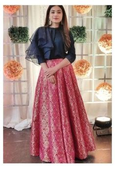 Party Wear Indian Dresses, Indian Fashion Dresses, Indian Gowns Dresses, Dress Indian Style, Indian Designer Outfits, Designer Dresses, Indian Skirt And Top, Indian Crop Tops, Choli Designs