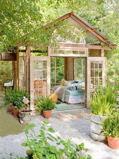 Amazing small house. *Note: this would be incredible tucked away in the backyard as a retreat. How relaxing to be in nature