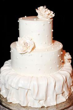 #wedding #cake #pearl