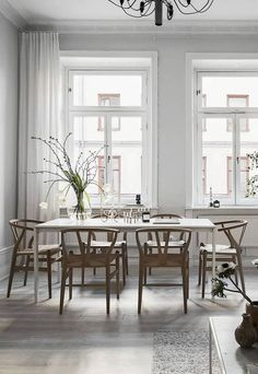 Get inspired by these dining room decor ideas! From dining room furniture ideas, dining room lighting inspirations and the best dining room decor inspirations, you'll find everything here! Dining Room Decor, Contemporary Dining Room Design, Dining Room Contemporary, House Interior, Contemporary Dining Room Sets, Grey Dining Room, Interior, Dining Room Furniture, Scandinavian Dining Room