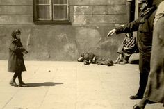 Starving children on the ghetto streets. Yad Vashem Photo Archives FA 109/24