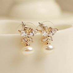 Stylish Crystal Butterfly With Pearl Alloy With 14K Gold Plated Women's Stud Earrings