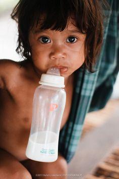 Dzieci na całym świecie do zdrowego rozwoju potrzebują mleka. Odwiedź prawdziwą Mleczną Krainę na http://www.mlekolandia.pl/mleka-6-k