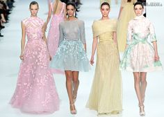 #kamzakrasou #sexi #love #jeans #clothes #dress #shoes #fashion #style #outfit #heels #bags #blouses #dress #dresses #dressupSpoločenské Kvety,+luxus,+tropický+raj+-+Elie+Saab