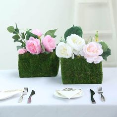 Connect to Nature with Tableclothsfactory's Ever Green Range of Preserved Natural Moss Decoration Supplies. Stock Up On Moss Weaved Baskets, Moss Planter Boxes, Moss Fillers, Moss Balls, and more! Planter Box Centerpiece, Moss Centerpieces, Greenery Centerpiece, Square Planter Boxes, Green Wedding Decorations, Moss Decor, Basket Planters, Flower Basket, Natural Texture