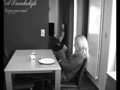 tafel dekken!!.wmv - YouTube
