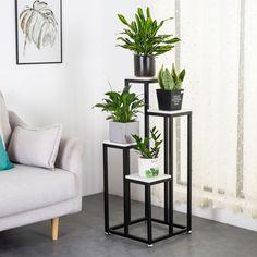 Living Room Plants Decor, House Plants Decor, Living Room Green, Plant Decor, Diy Bedroom Decor, Diy Home Decor, Flower Stands, Plant Shelves, Home Room Design