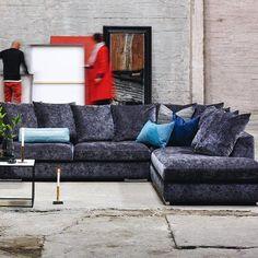 #mulpix Luxus-følelsen følger med Paso Doble sofaen i stoffet Eros Antrasitt  #bohus #bohusinteriør #modulsofa #scandinavianinterior #livingroom #stue #interiørforalle #sofa