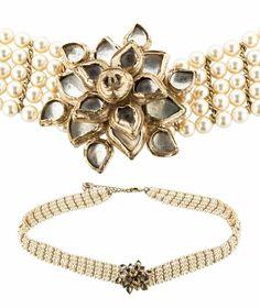 525146a5a612 CHANEL Métiers d'Art Paris Pearl Gripoix CC 2012 Bombay Necklace Belt  Camellia   eBay