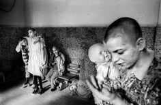 Duras imágenes de un antiguo manicomio serbio