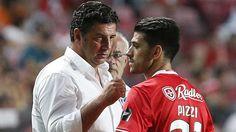David Simão faz questão de lançar um esclarecimento inicial, quando questionado sobre a ligação e confiança que Rui Vitória demonstra em Pizzi, jogador cap