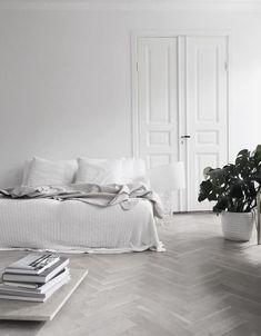 total white bedroom interior design inspiration #bedroom #white