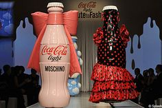 It's thirsty work visiting fashion show after fashion show, but we doubt anyone could drink through a Coca Cola bottle this big, as seen at Milan Fashion Week. Moschino, Coca Cola Light, Coca Cola Bottles, Bottle Lights, Fashion Show, Milan Fashion, Packaging Design, Cool Stuff, Italian Designers