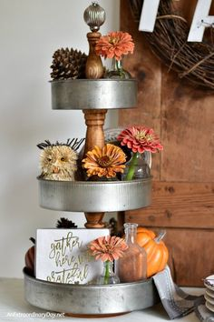 Its Easy! How to Make a Modern Farmhouse Tiered Tray - Decorative Tray - Ideas of Decorative Tray - EASY! Here's how you can make a modern farmhouse fixer upper style 3 tiered tray. No power tools required! Country Farmhouse Decor, Modern Farmhouse, Farmhouse Style, Cottage Style, Plateau Style, Makeup Room Diy, Diy Makeup, Tiered Stand, 3 Tier Stand